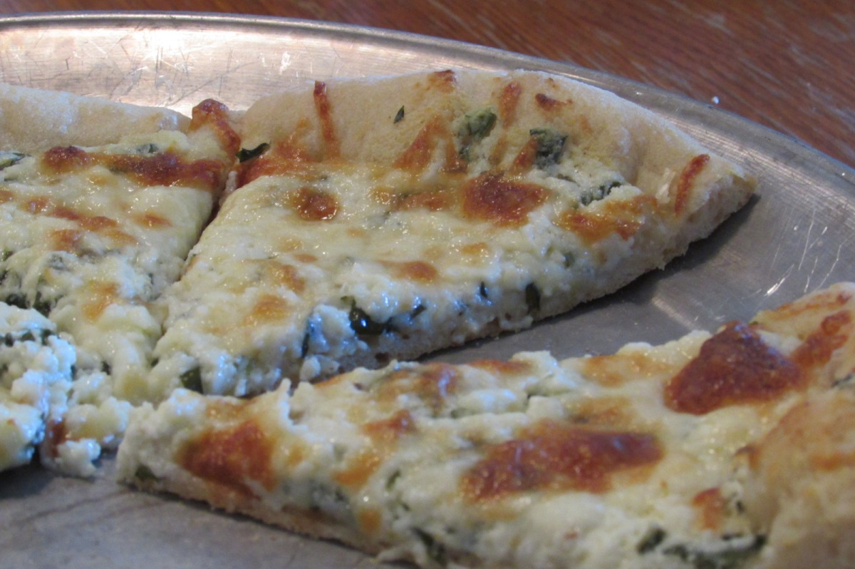 ricotta cheese pizza
